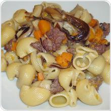 Pipe con pancetta, patate e champignons